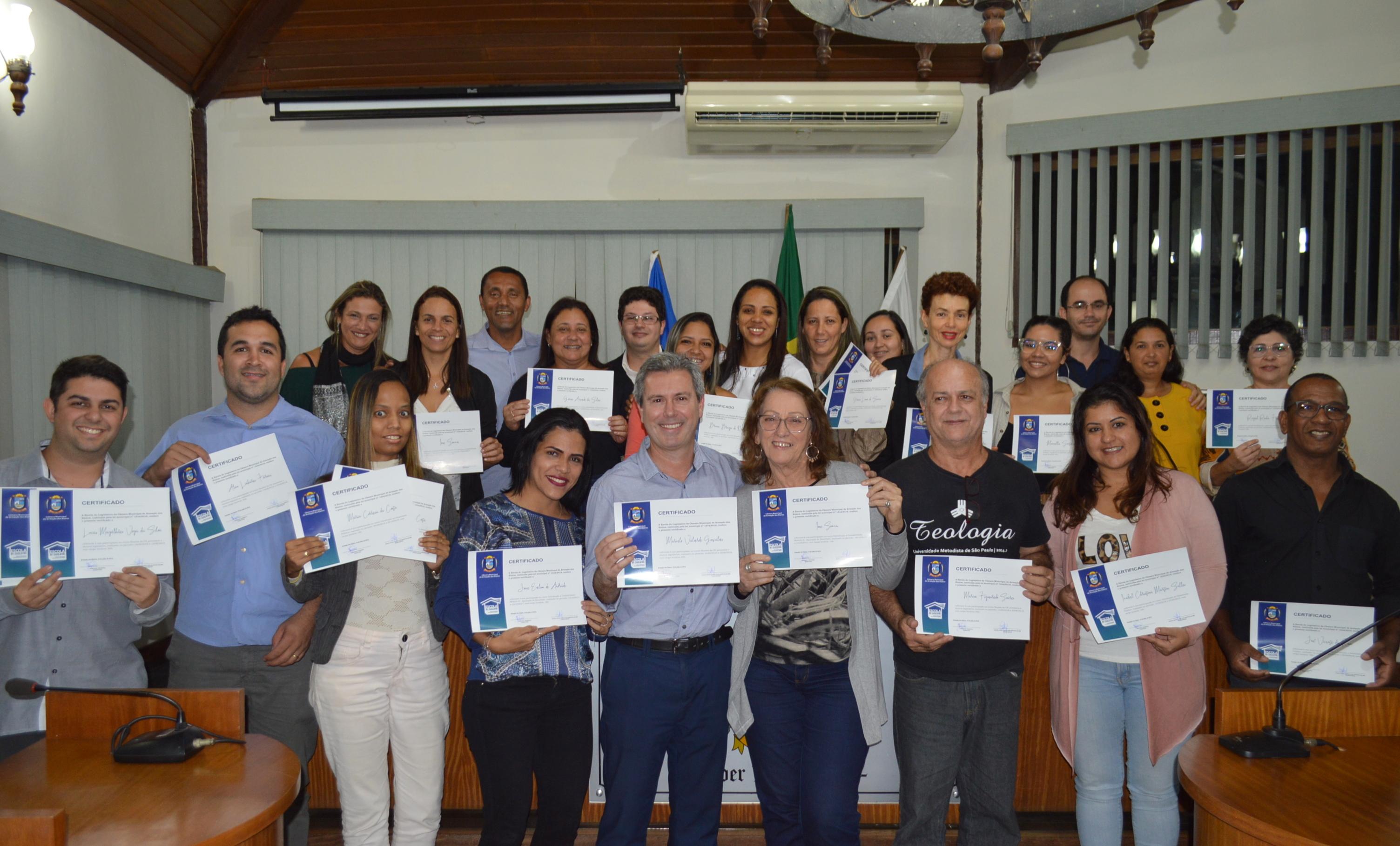 Alunos da Escola do Legislativo Participaram de Cerimônia de Entrega de Certificados