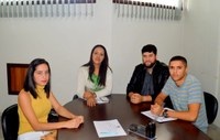 Universitários Apresentam suas Demandas em Reunião